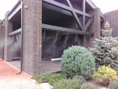 Зволоження повітря житлових і виробничих приміщеннях